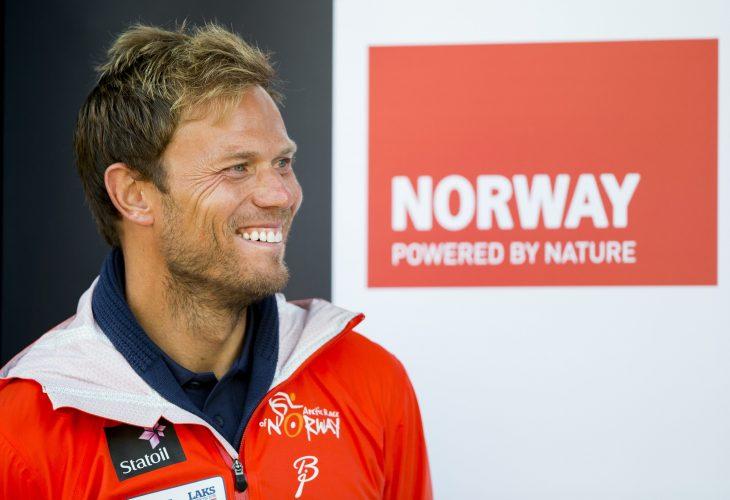 Thor Hushovd, ambassadør for Arctic Race of Norway, ppremieseremonien etter andre etappe i sykkelrittet Arctic Race of Norway fredag.