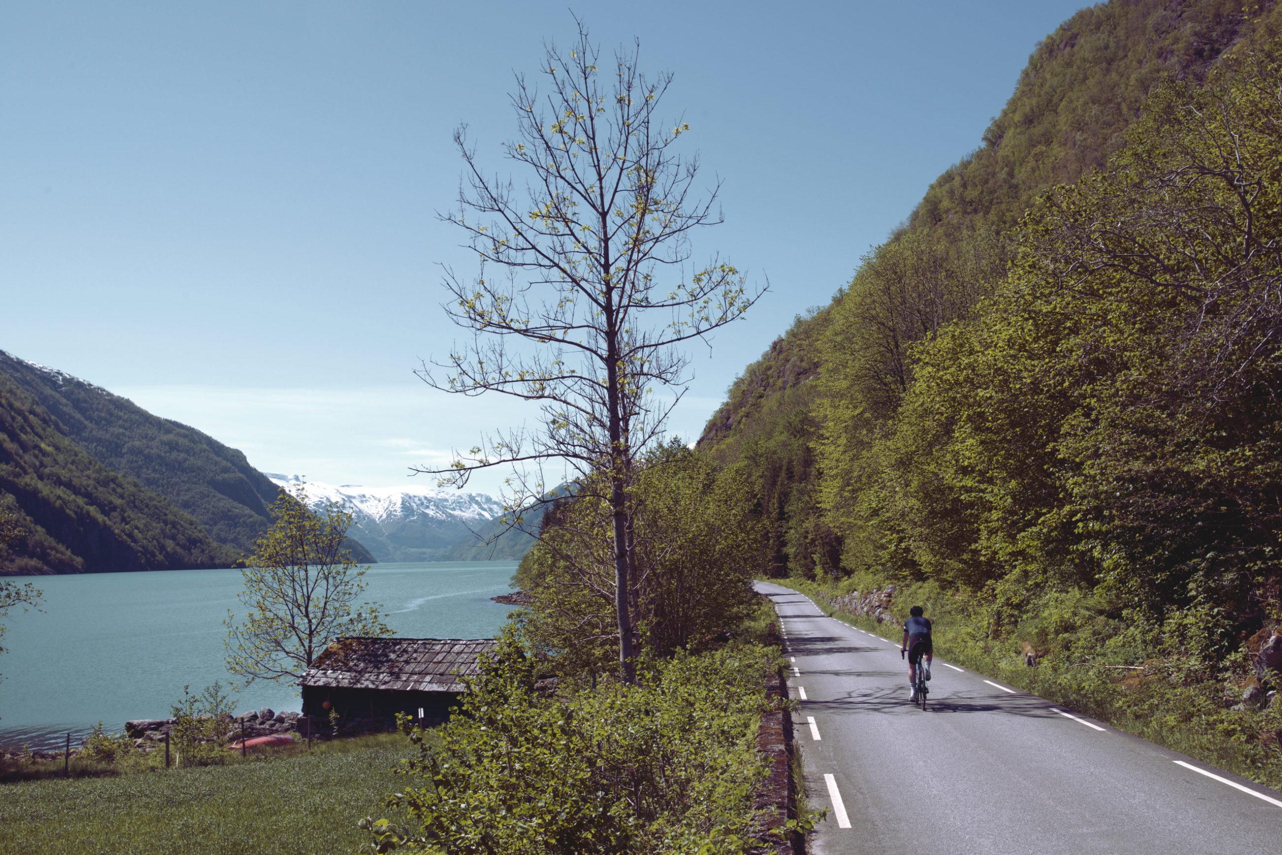 Postkort & pedaler: Tour de Hardanger