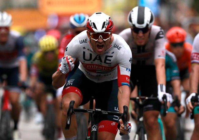 Alexander Kristoff vant dramatisk åpningsetappe i Tour de France
