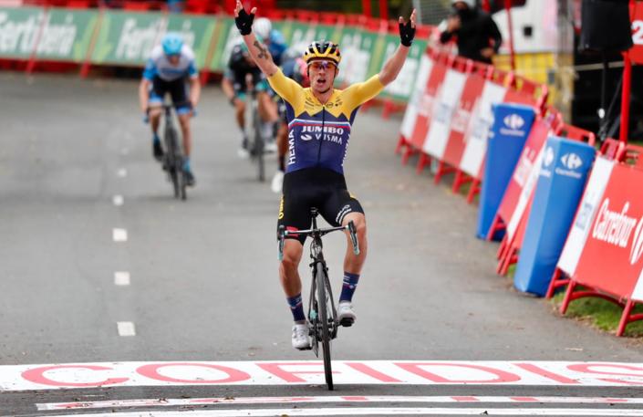 Roglic vant knalltøff åpningsetappe i Vueltaen: – En vakker start